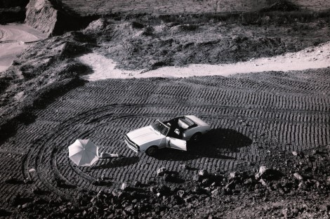 american-black-white-landscape-girl-car-chevrolet-camaro