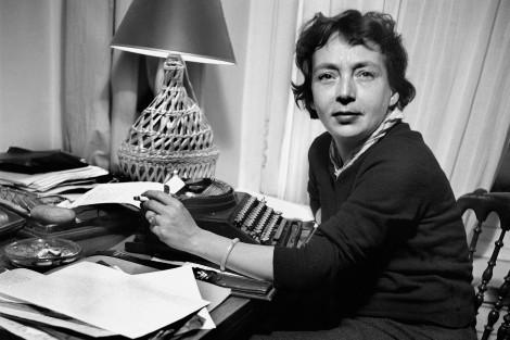 Marguerite Duras (1914-1996), écrivain français, 1955.